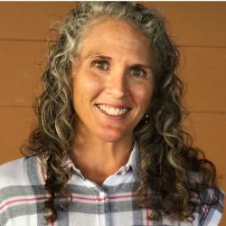 Photo of Dr. Jennifer Baumstark