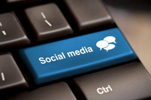 Social media key on computer keyboard