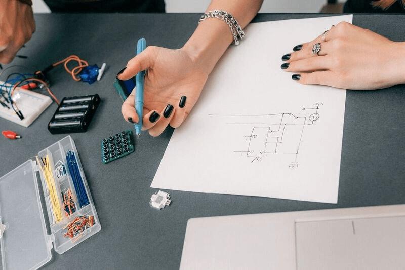 Women female engineer leader