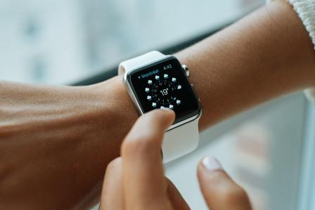 Nurses using smart watches and fitness trackers for health