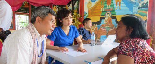 A health teacher promoting better health.
