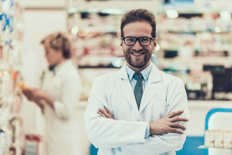 Pharmacy Technician or Pharmacist: Is Either Job Right for You?