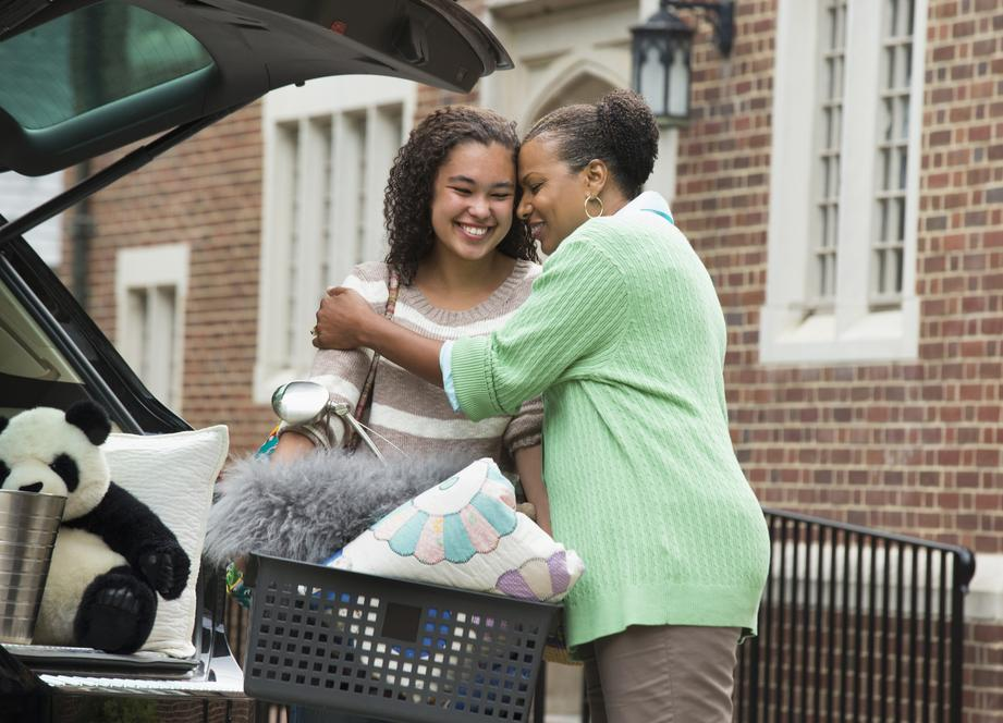 It's that time of year when 20 million students are starting or returning to college. Here are 5 tips to help make the transition easier for everyone.