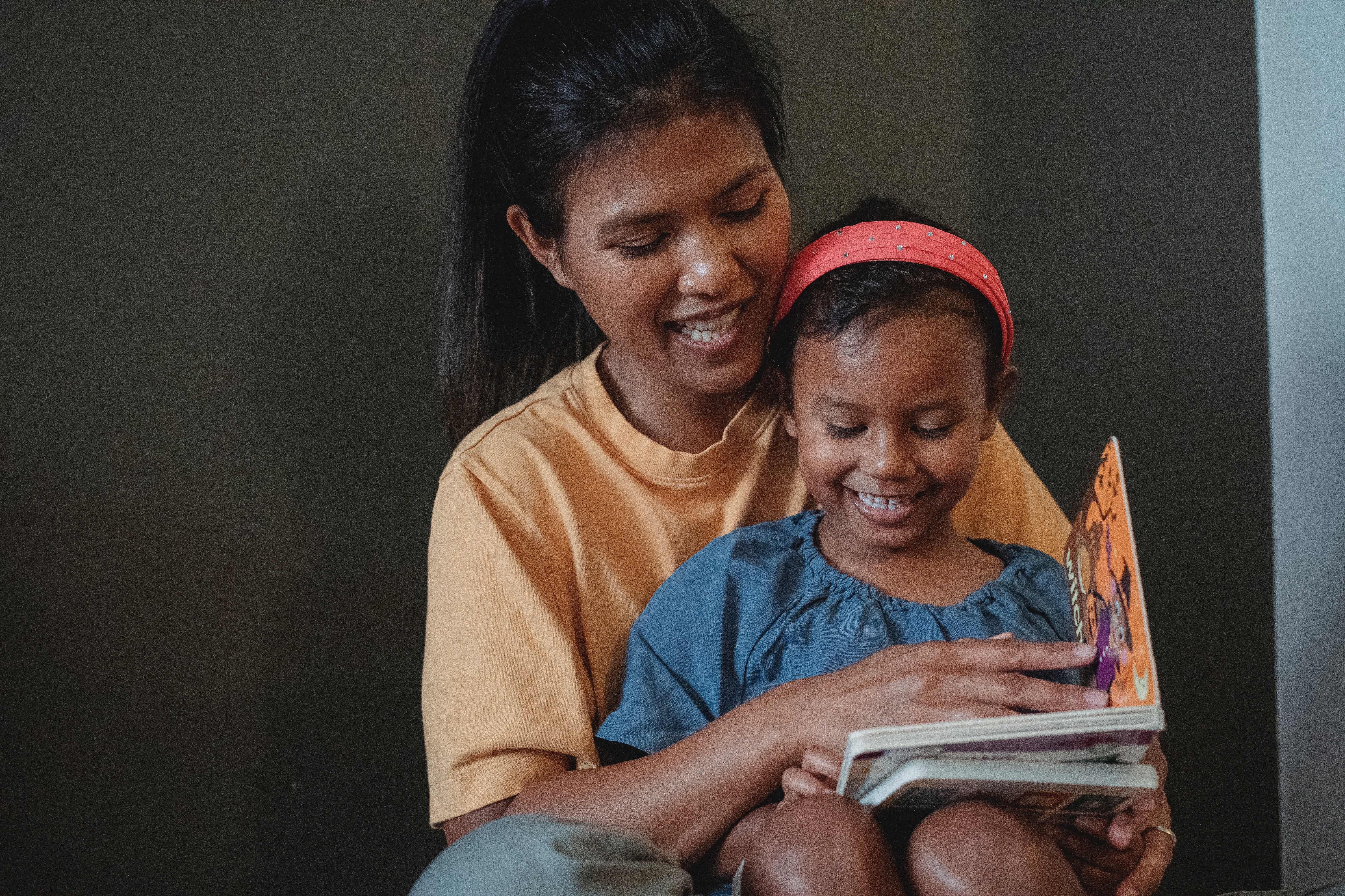 United Way is helping moms instill a love of reading in young kids with local early learning programs.