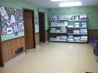 lobby,exam rooms,dog food,cat food,Royal Canin