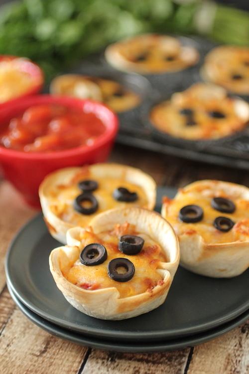 Mini Mexican Pizzas | Dashing Dish