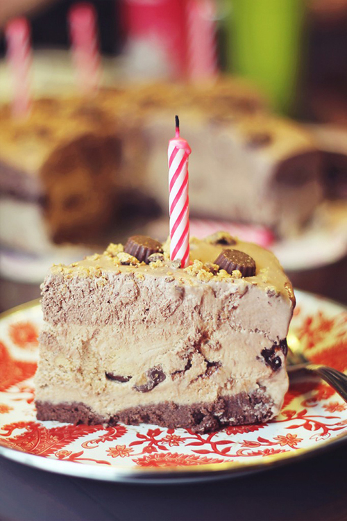 Frozen Reese's Peanut Butter Pie | Dashing Dish