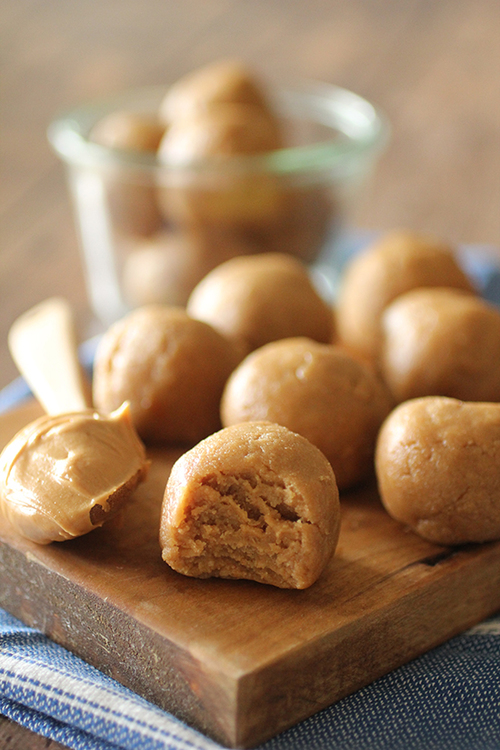 No Bake Peanut Butter Cookie Dough Protein Balls
