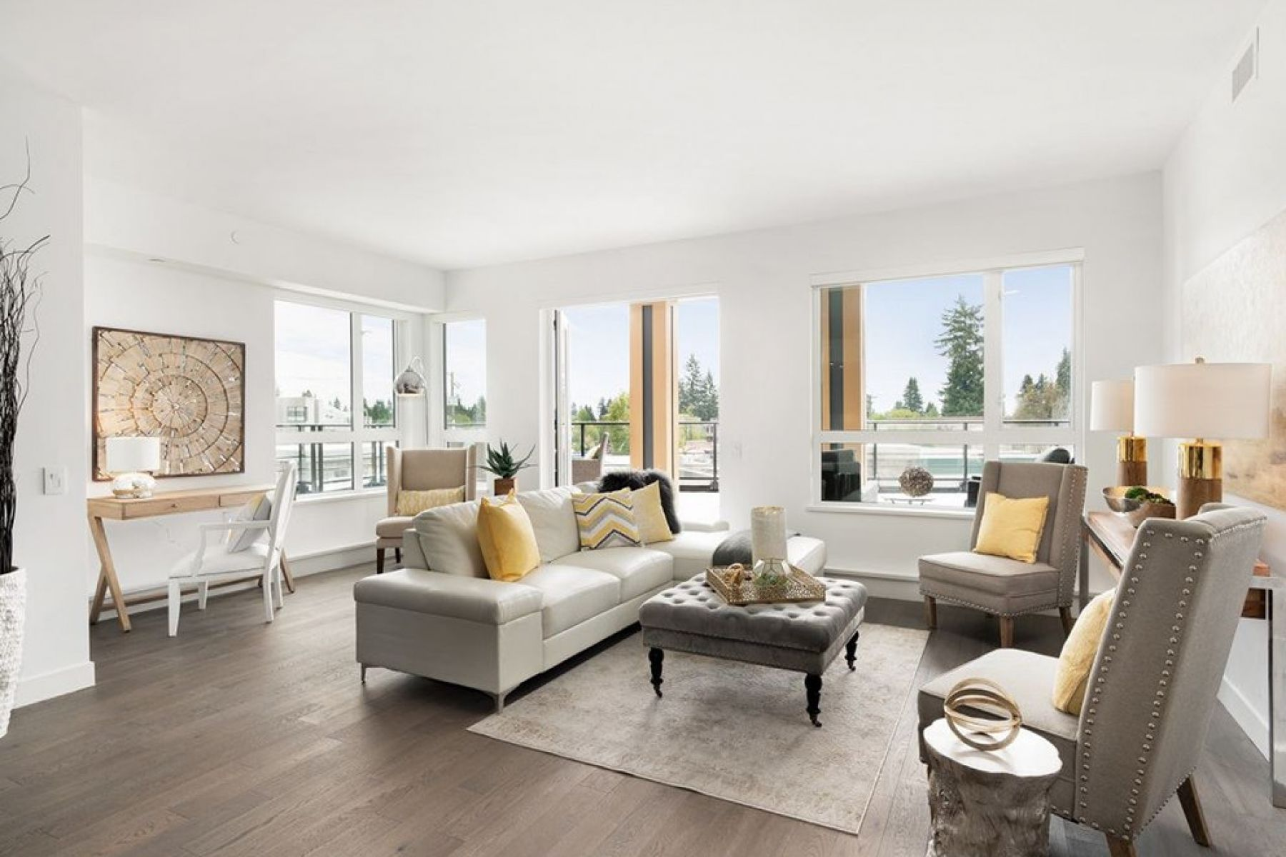 The Edgemont Village Luxury Suite, North Vancouver