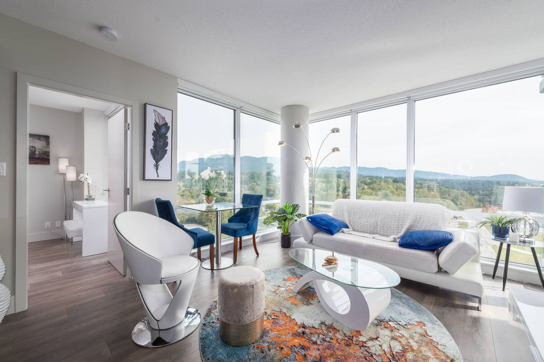 The Serene Mountain Suite, North Vancouver