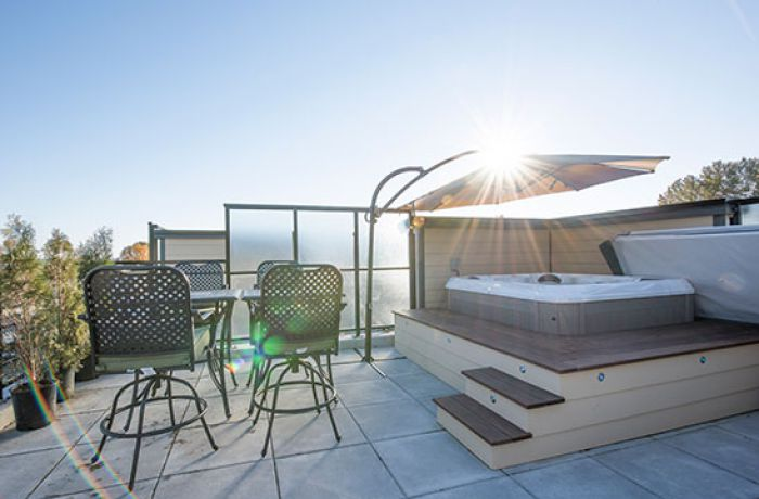 Rooftop Hot Tub and Patio