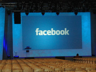 2008-10-31-wheres-facebooks-killer-app-revenue-model