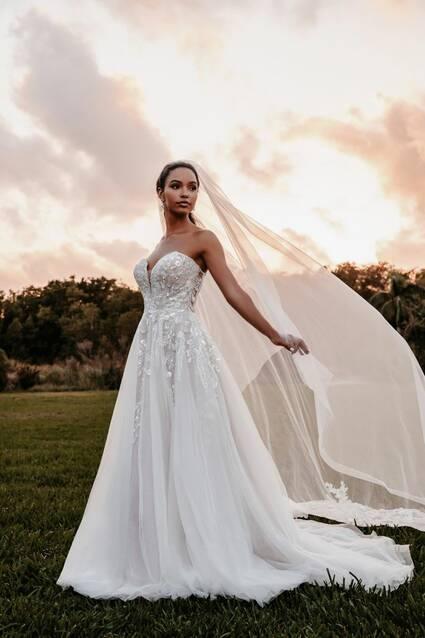 Allure Bridals Style 9852 wedding dress