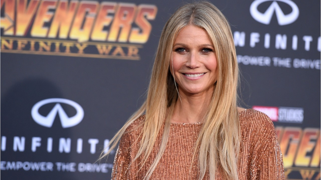 3a90091f8bb00 Gwyneth Paltrow Shares Makeup-Free Selfie With Daughter.