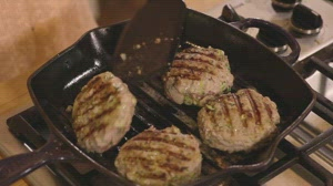 For Juicier And Better Turkey Burgers, Add This Ingredient To the Meat