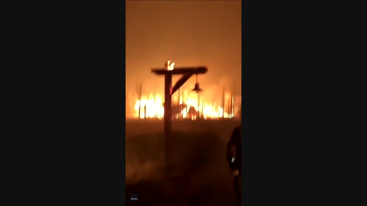 Flames Engulf Structures as Crews Battle Colorado's East Troublesome Fire