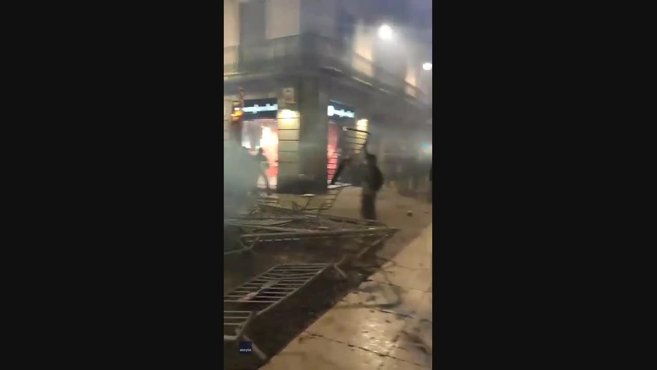 Anti-Lockdown Protesters Hurl Barricades at Police in Barcelona