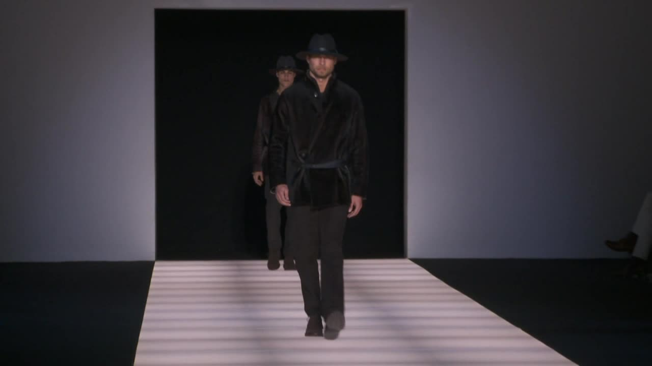 Milan / Emporio Armani Menswear Fall/Winter 2012/1
