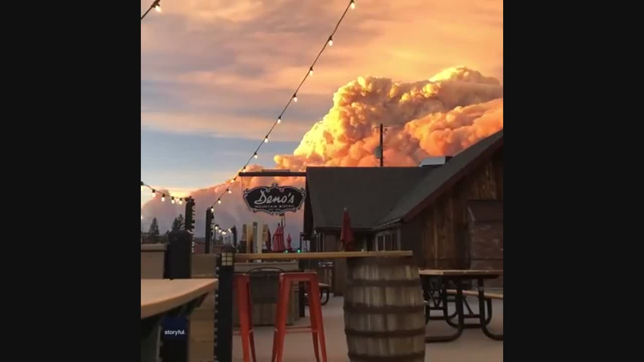 Diners Watch Colorado's East Troublesome Fire Build From Winter Park Bistro