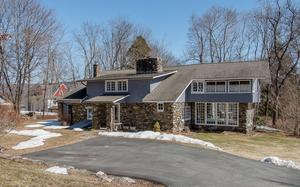 8 Clove Place Central Valley, NY 10917