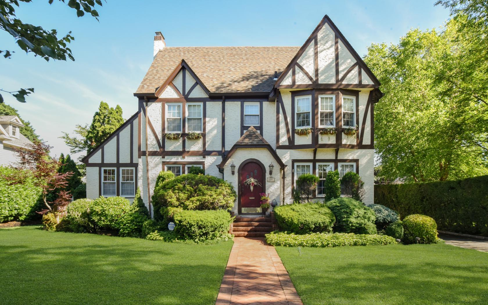107 Chestnut Street Garden City, NY 11530 | Real Estate Tour