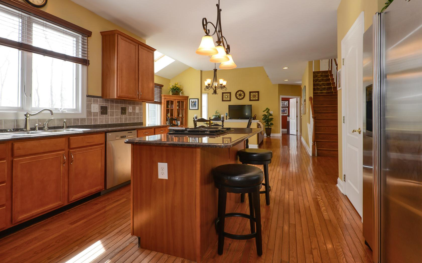 Kitchen cabinets long valley nj - Family Room Open To Gourmet Kitchen