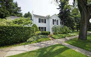 134 Merriweather Rd Grosse Pointe Farms, MI 48236