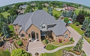 13055 Mystic Forest Dr Plymouth, MI 48170