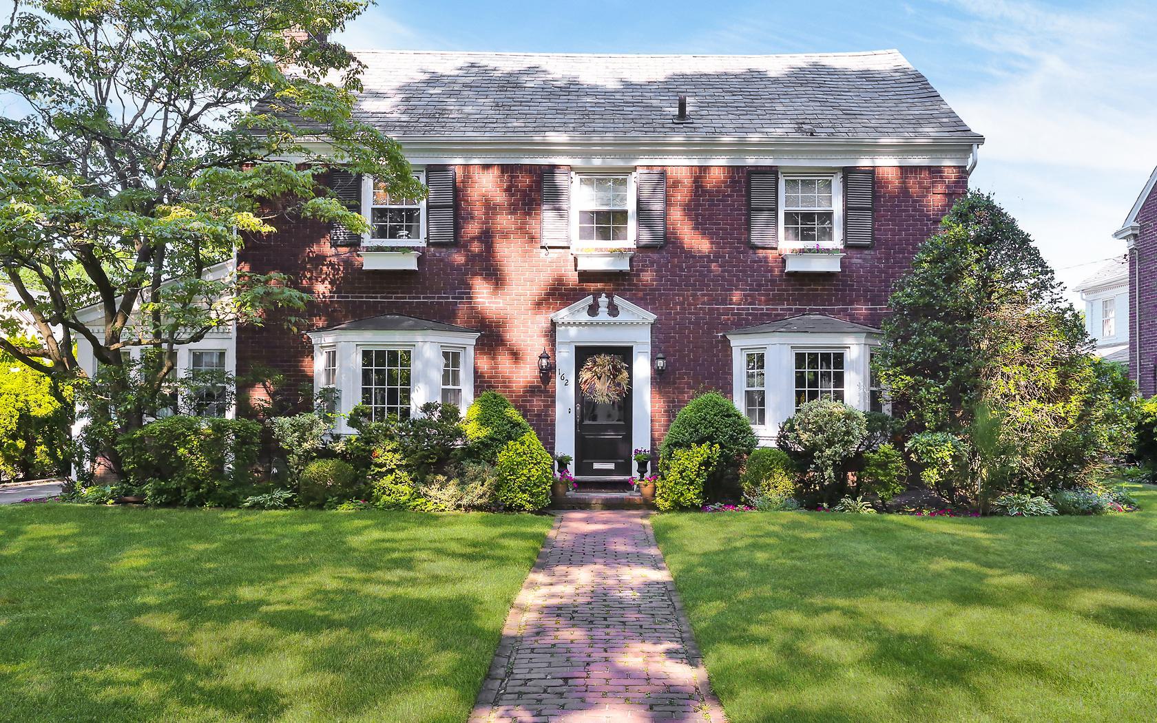 162 Whitehall Blvd Garden City, NY 11530 | Real Estate Tour