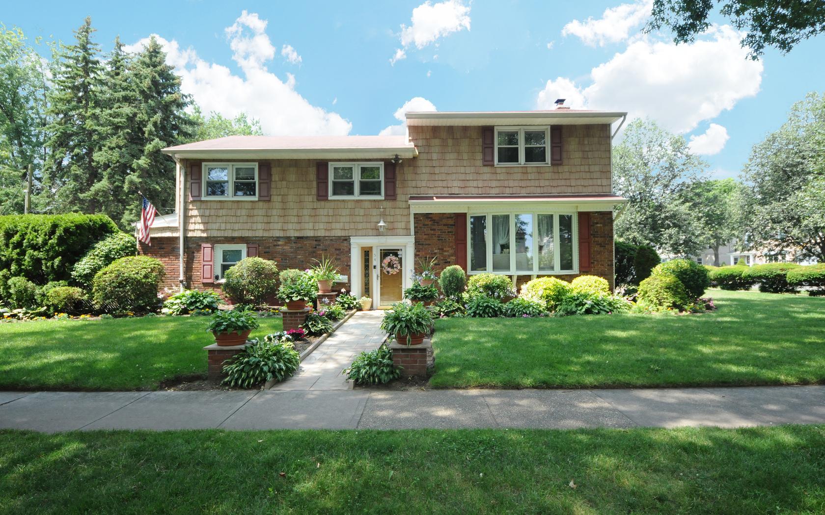 54 Grove Street Garden City, NY 11530 | Real Estate Tour