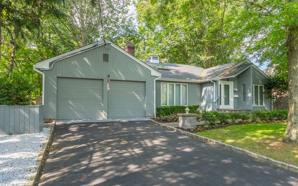 20 Monfort Place Syosset, NY 11791 | Real Estate Tour