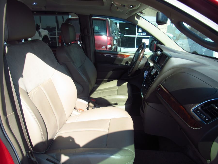 Red Chrysler Town and Country image number 12