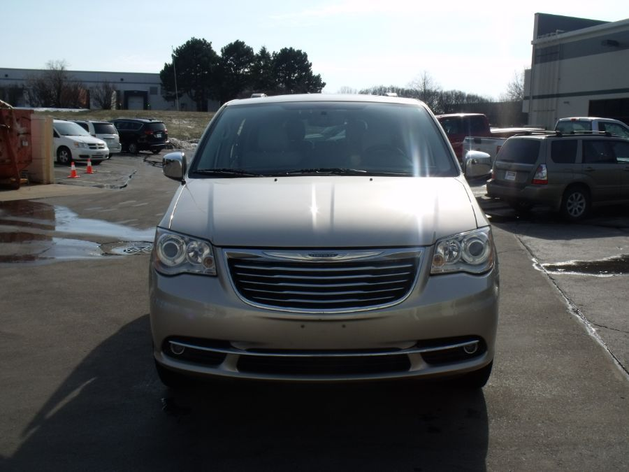 Brown Chrysler Town and Country image number 1