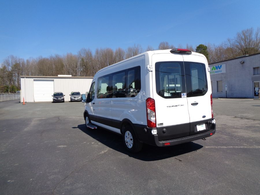 White Ford T350 image number 4