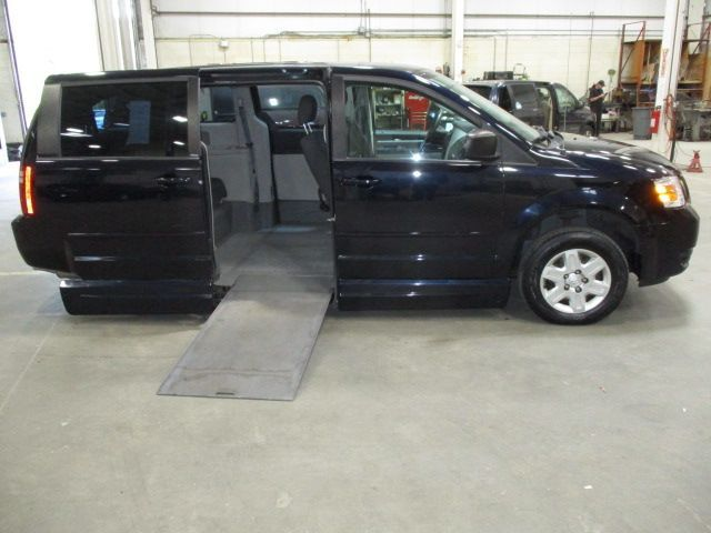Blue Dodge Grand Caravan with Side Entry Automatic In Floor ramp