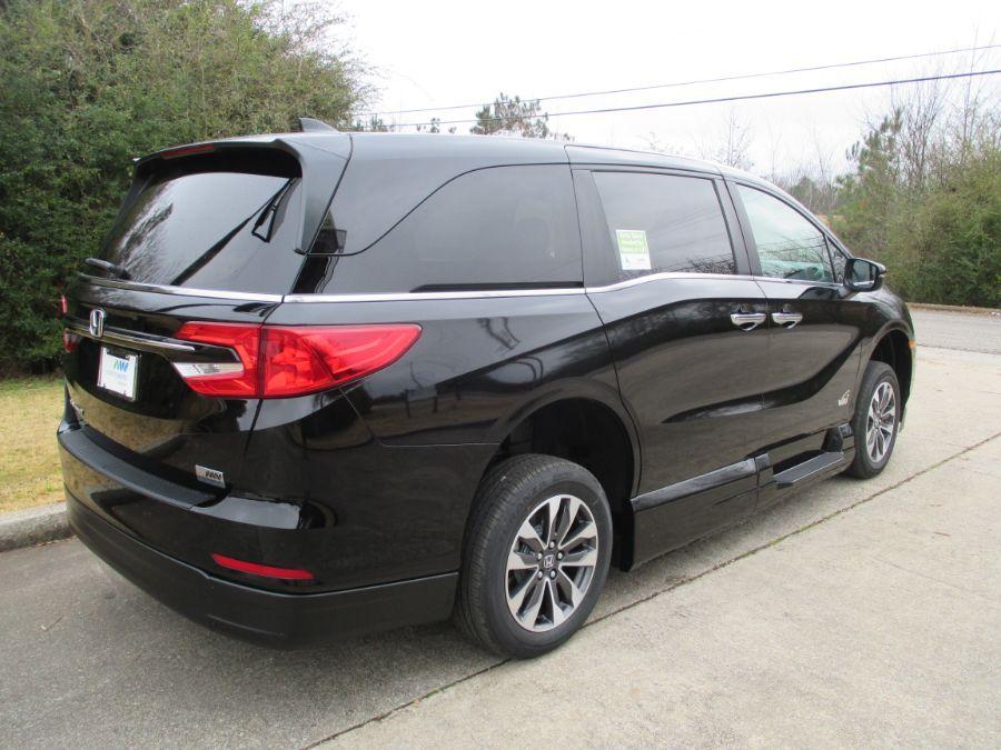 Black Honda Odyssey image number 6