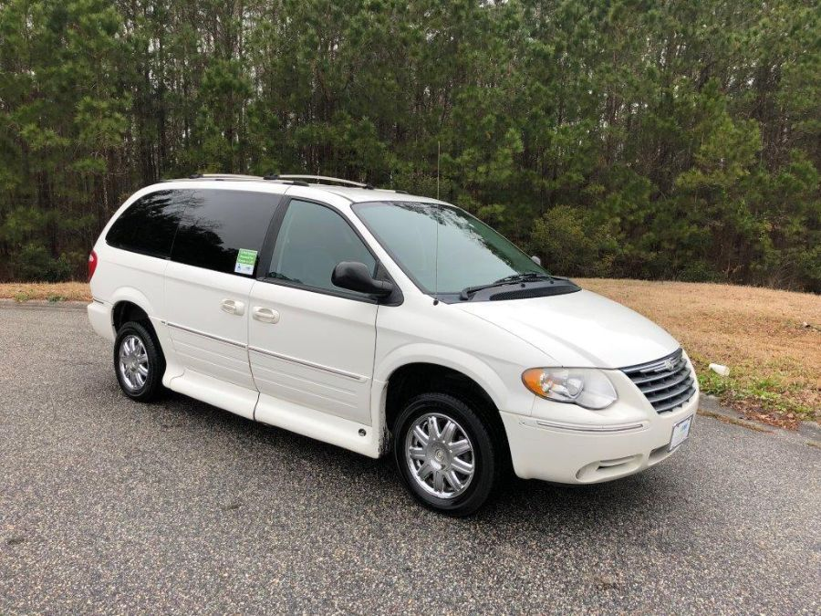 White Chrysler Town and Country with Side Entry Automatic In Floor ramp