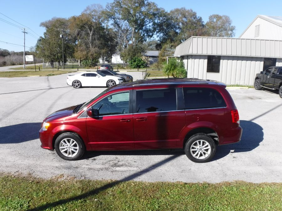 Red Dodge Grand Caravan image number 4