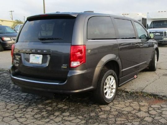 Gray Dodge Grand Caravan image number 6