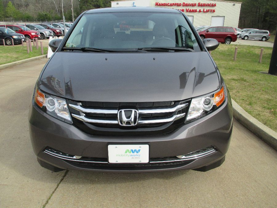 Brown Honda Odyssey image number 1