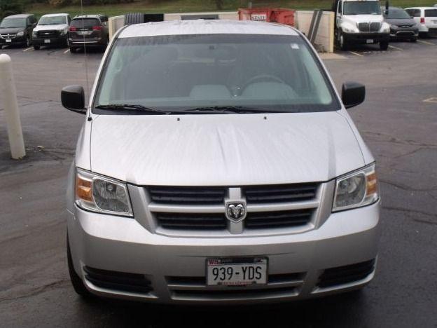 Silver Dodge Grand Caravan image number 1