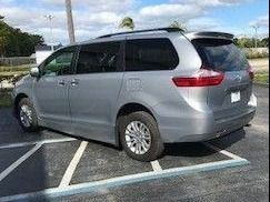 Toyota Sienna image number 4