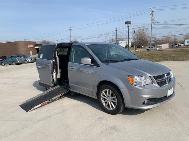 Silver Dodge Grand Caravan image number 0