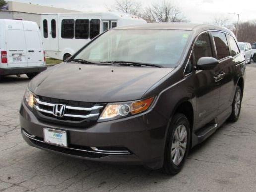 Brown Honda Odyssey image number 2