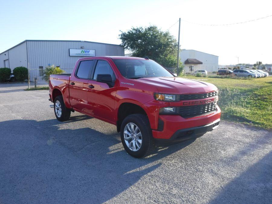 Red Chevrolet Silverado 1500 image number 4