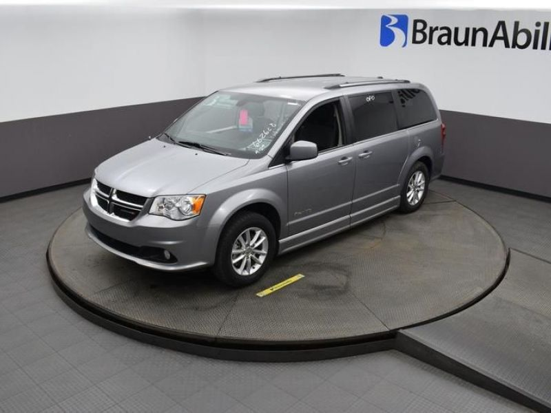 Silver Dodge Grand Caravan image number 21