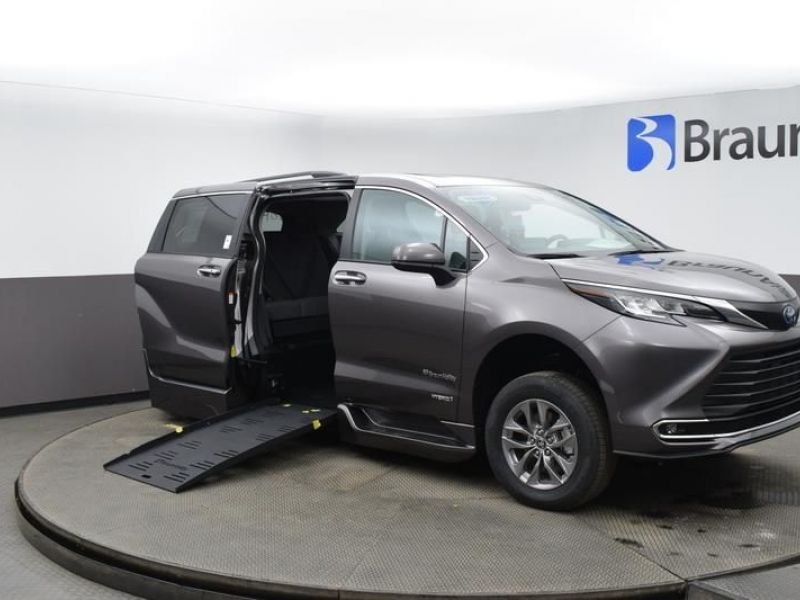 Gray Toyota Sienna with Side Entry Automatic Fold Out ramp