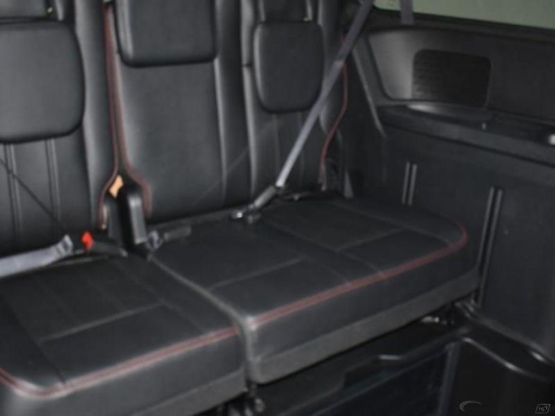 Red Dodge Grand Caravan image number 10