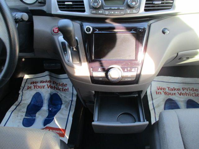 Brown Honda Odyssey image number 12