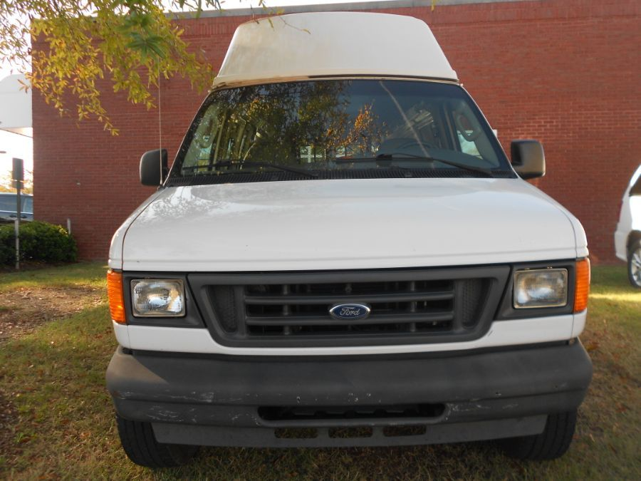 White Ford E-Series Cargo with Rear Entry N/A N/A ramp